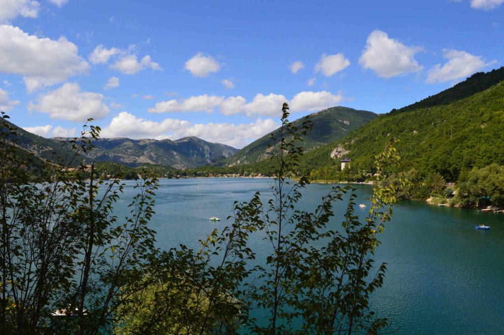 camminare-nella-natura-lago-di-scanno